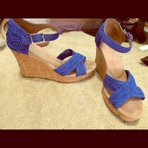 Toms Blue Wedges Like New